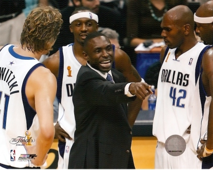 Avery Johnson Coaching Mavericks NBA Finals 8x10 Photo