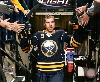 Derek Roy Buffalo Sabres Entrance 8x10 Photo